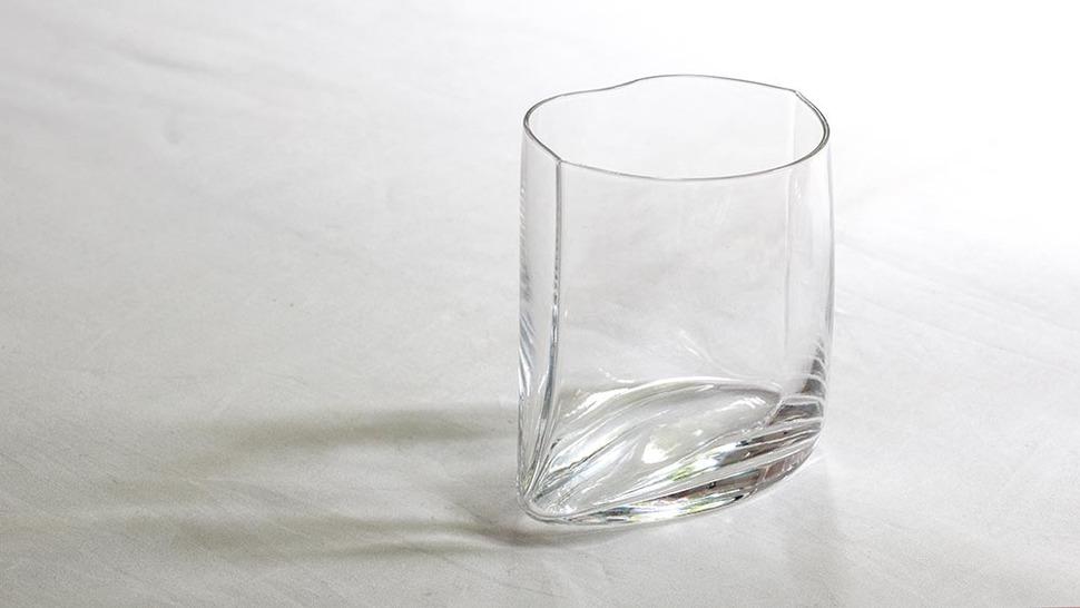 360度から覗きたくなるグラス