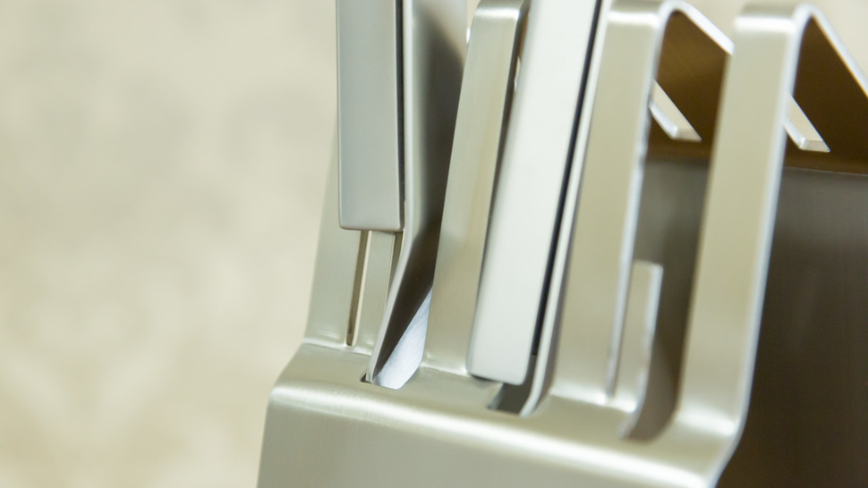 close-up-knife-stand
