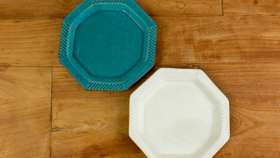 green-and-white-plates