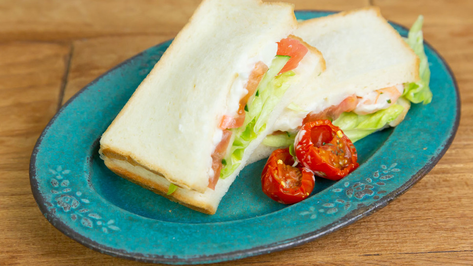 sandwich-and-tomate
