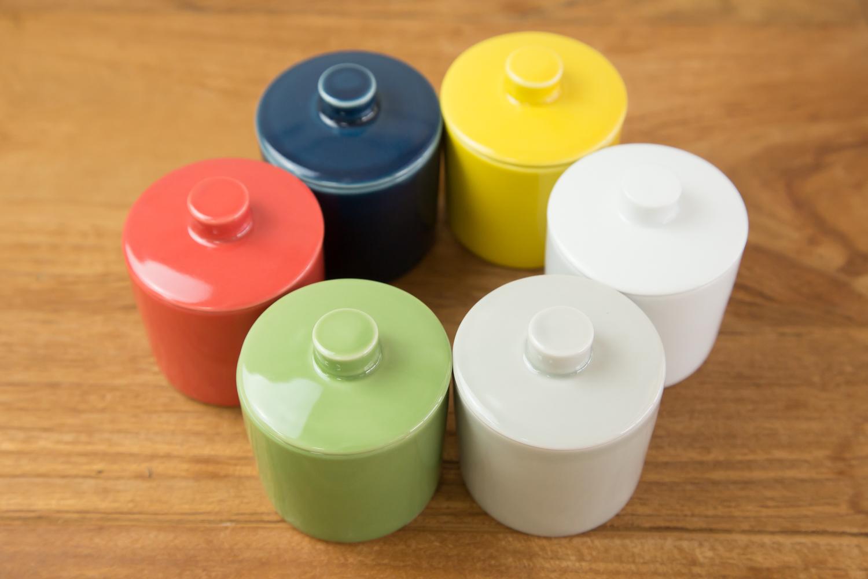 調味料にあわせて選べる6色展開