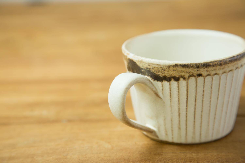 機能性にもこだわった益子焼のカップとソーサー