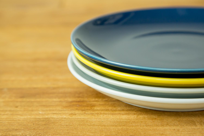 ちょっとオシャレなおもてなし。4色展開の陶器のお皿Commonプレート