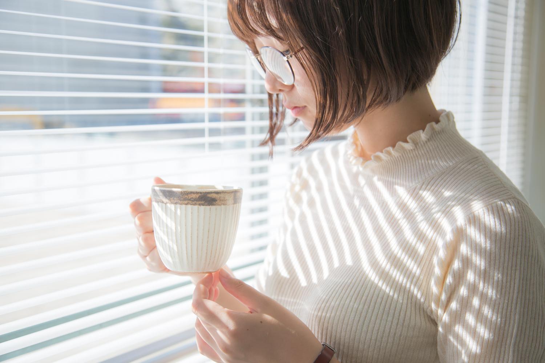 毎日に取り入れたい益子焼のおしゃれな食器 アンティークスリムラインマグカップ