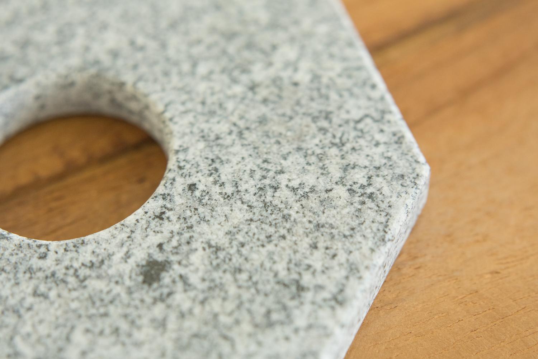 実は鍋敷きにぴったりな石素材