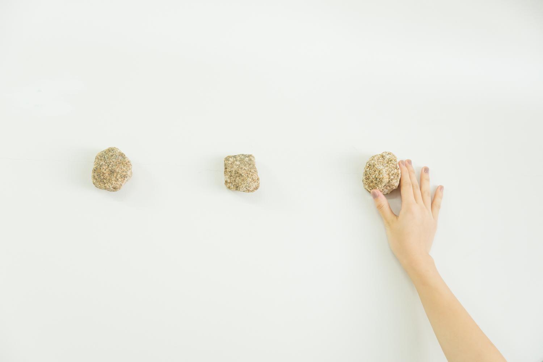 インテリアとしても映える手のひらサイズの壁掛けフック