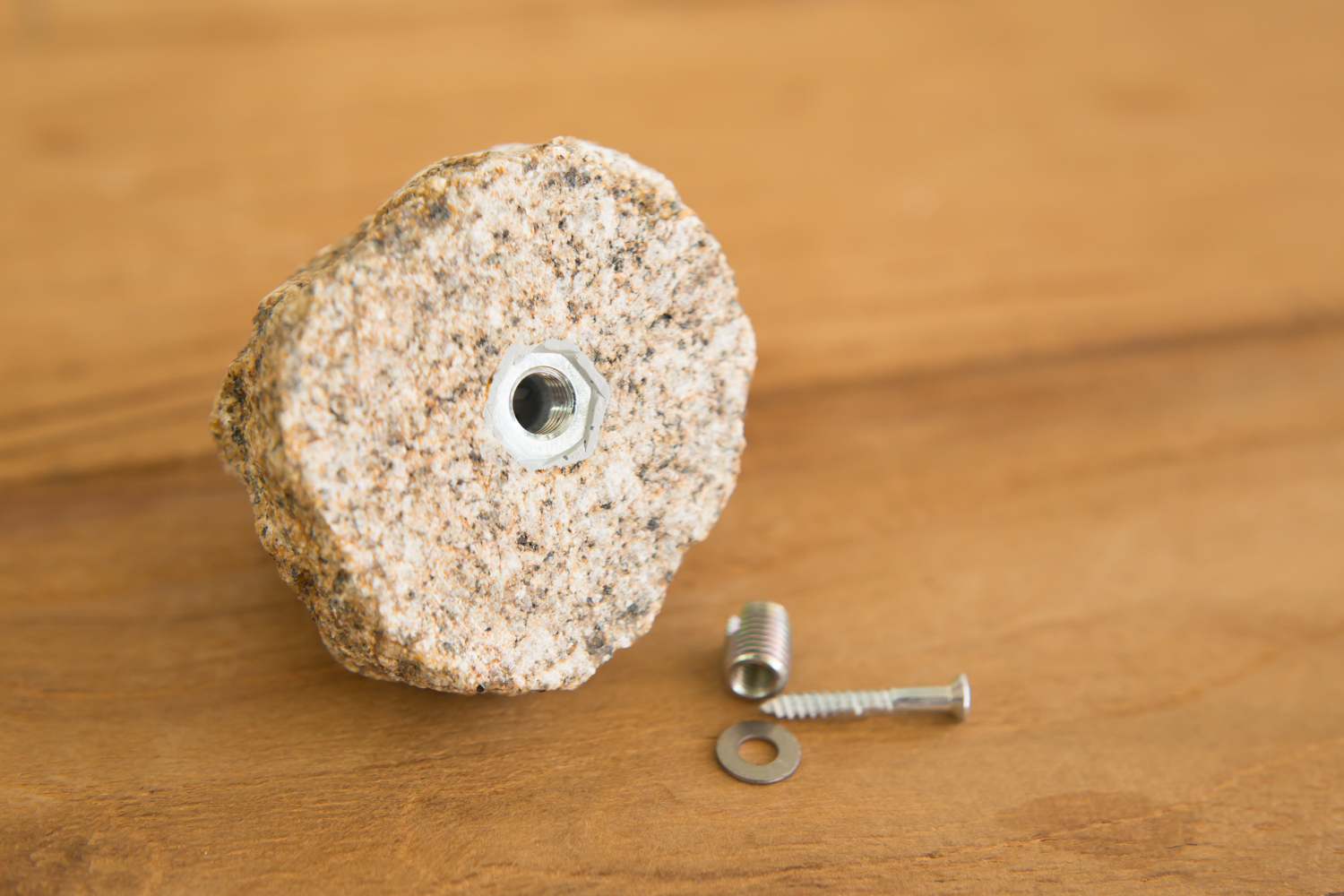 あらゆるシーンで活躍する自然石のフック
