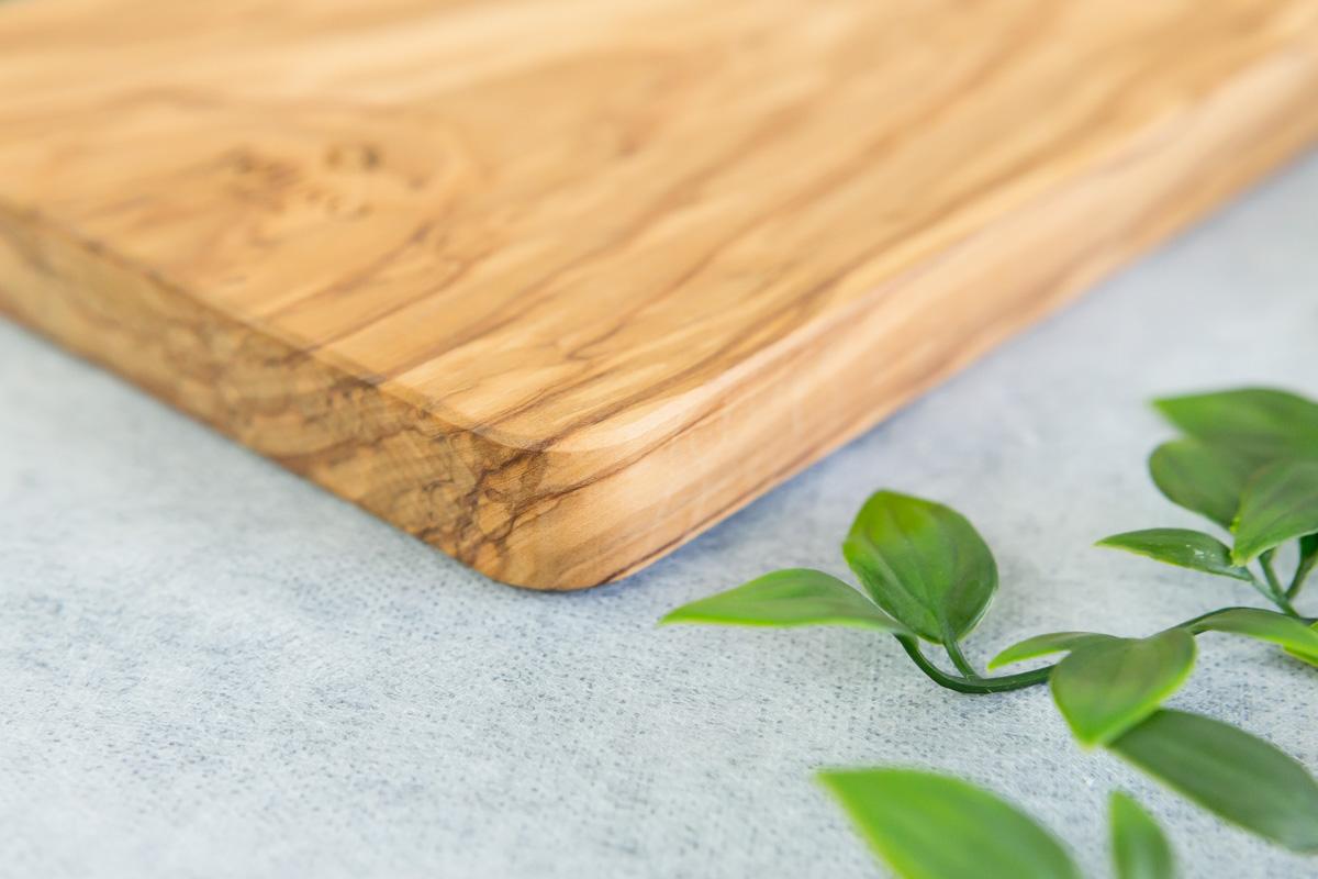 温かみのある木製のまな板オリーブカッティングボード