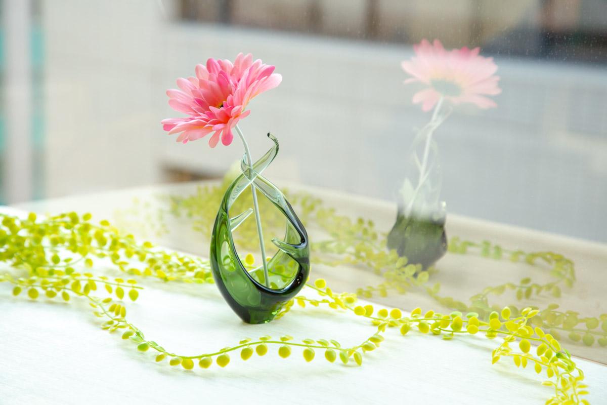 スガハラのガラス花瓶ランケで華やかに暮らそう