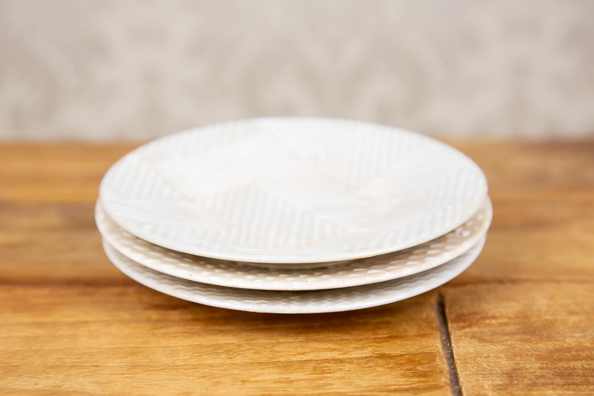 生地の絵柄がかわいらしい小ぶりなうつわaiyuの四寸丸皿