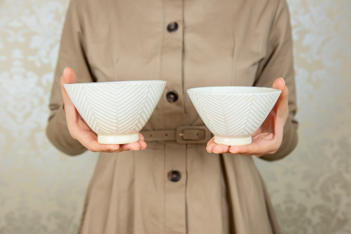 普段見かけないかたちとデザインがおしゃれな波佐見焼のお茶碗