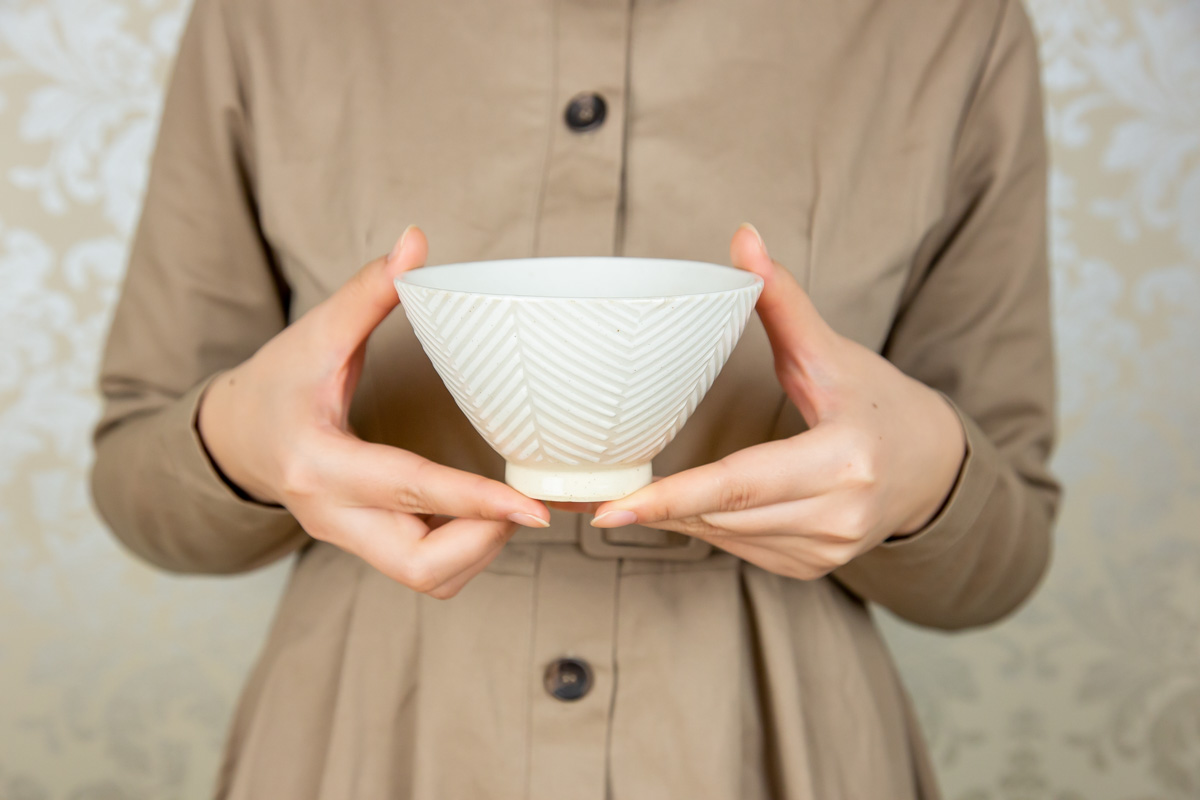 魚の骨をモチーフにしたデザインとシュッとしたフォルムがおしゃれ Pヘリンボーン 茶碗
