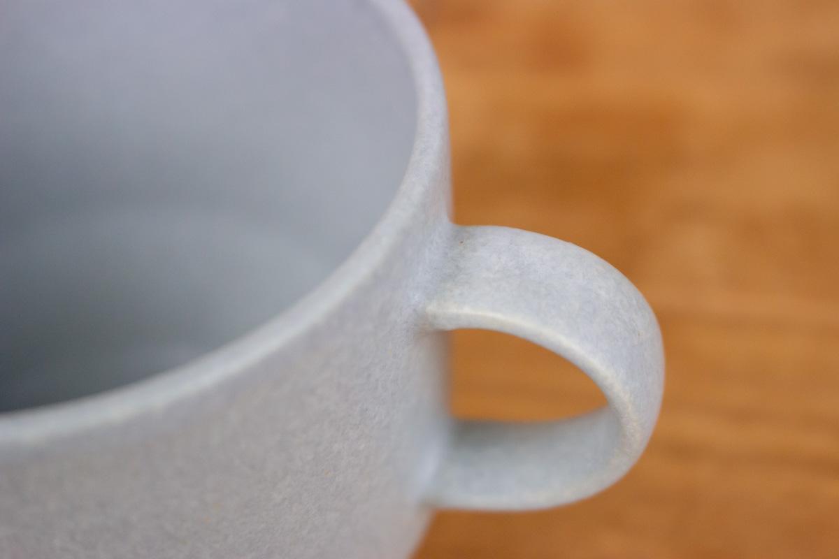 小ぶりな見た目がかわいらしく、取っ手のサイズが使いやすいCHIPS「SOROI Daylight MUG CUP」