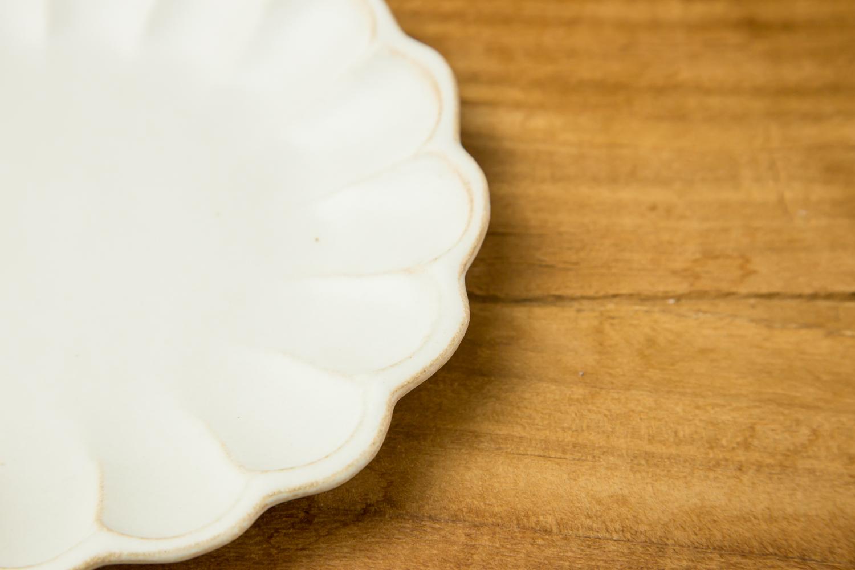 食卓に花形のお皿を飾ろう。おしゃれな和食器Kinariリンカプレート