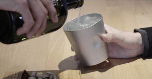 お酒を美味しくする「金属製タンブラー」プレゼントに人気の理由は?