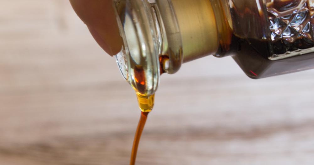廣田硝子で作られた、液だれしない醤油差し『復刻醤油差し 古代色』をご紹介