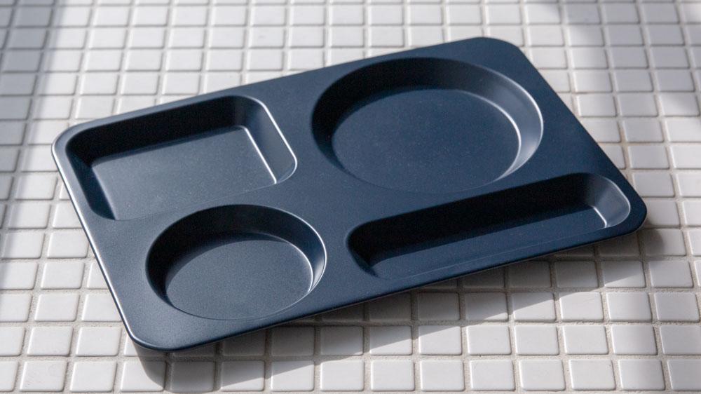 紙皿のストレスがいらないステンレス食器|カフェトレイ