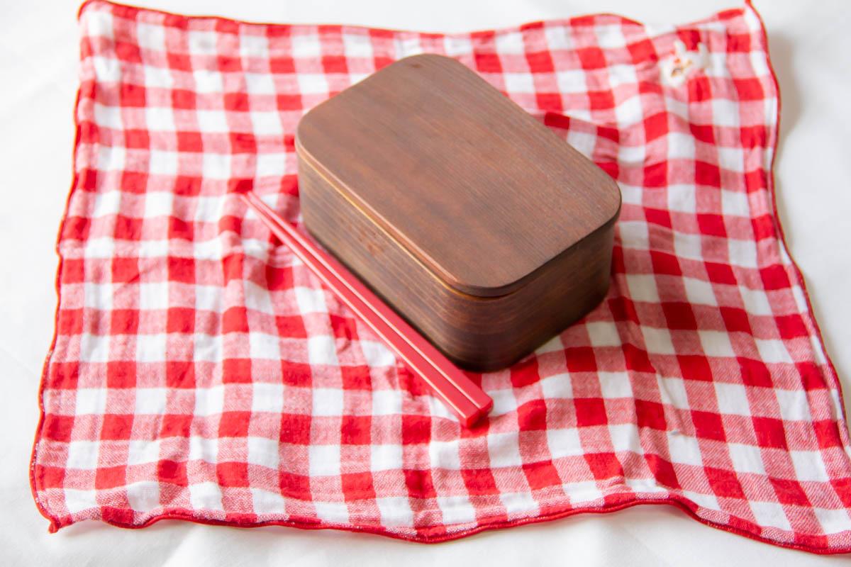 ガーゼハンカチとお弁当箱