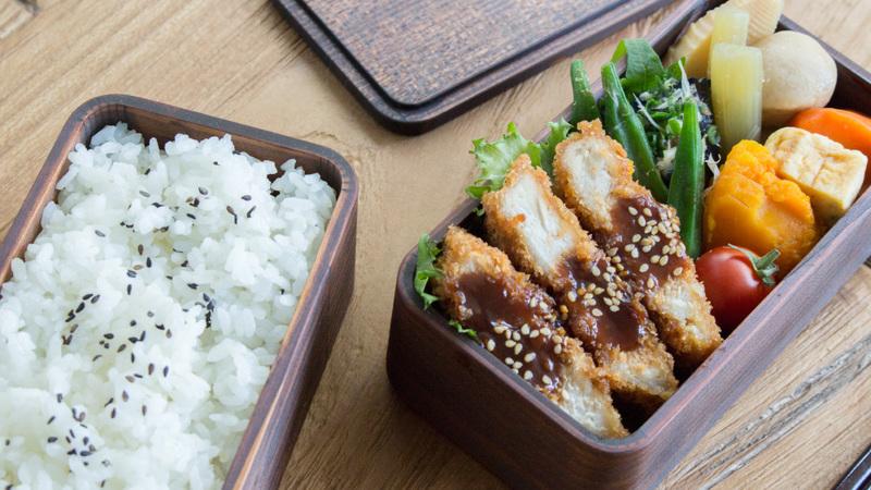 うるしの弁当箱 (二段)お昼ご飯