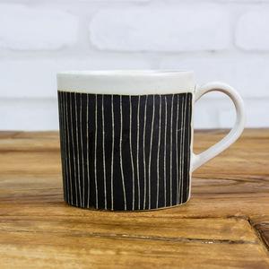 パンとごはんと... 掻き落としの陶器 MUG CUP